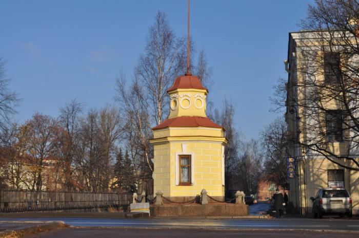 Kronshtadtskiy-futshtok-700x465