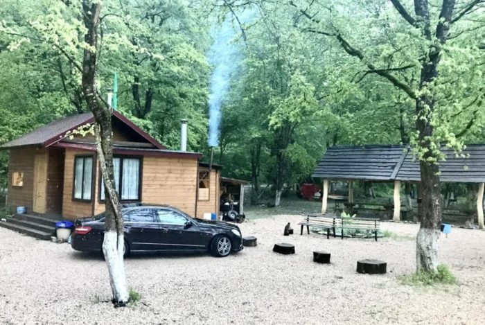 Kurortnyy-otel-lago-naki-park-resort-700x469