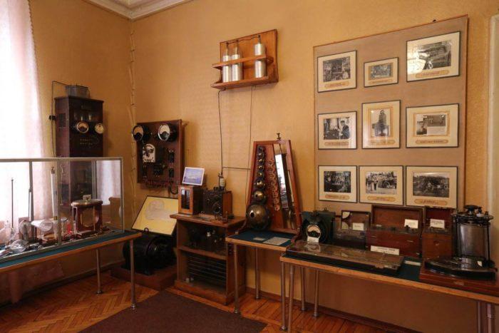 Memorialnyy-muzey-kabinet-A.-S.-Popova-700x467