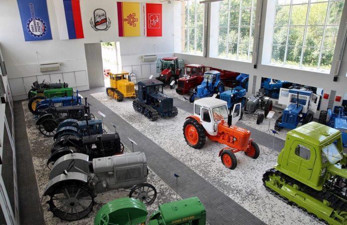 Muzey-istorii-traktora-700x455