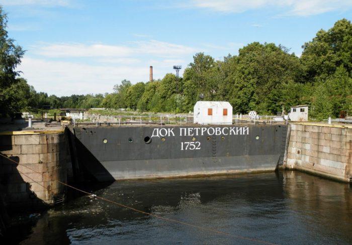 Petrovskiy-dok-700x488