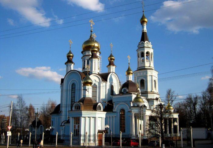Pokrovsko-Tatianinskiy-sobor-700x486