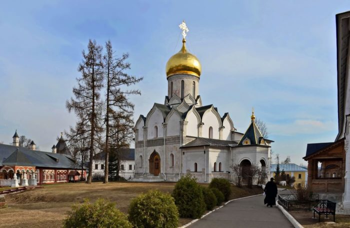 Sobor-Rozhdestva-Bogoroditsy-700x455