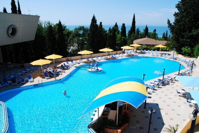 Spa-otel-Lazurnaya-700x469