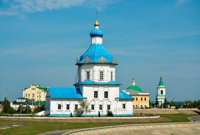 TSerkov-Uspeniya-Presvyatoy-Bogoroditsy-700x474