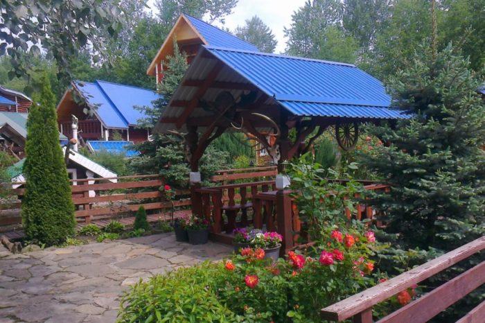 Turbaza-Gostevaya-Usadba-700x466