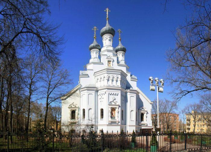 Vladimirskiy-sobor-700x506