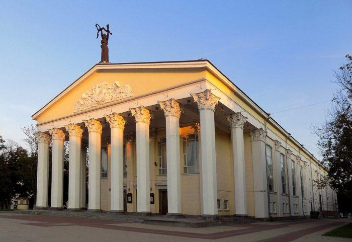 Dramaticheskiy-teatr-imeni-M.-S.-SCHepkina-700x481