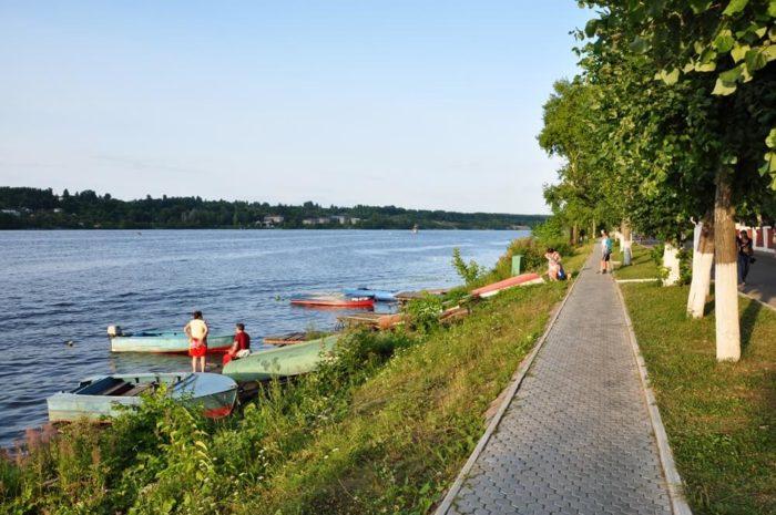 Naberezhnaya-Volgi-700x465