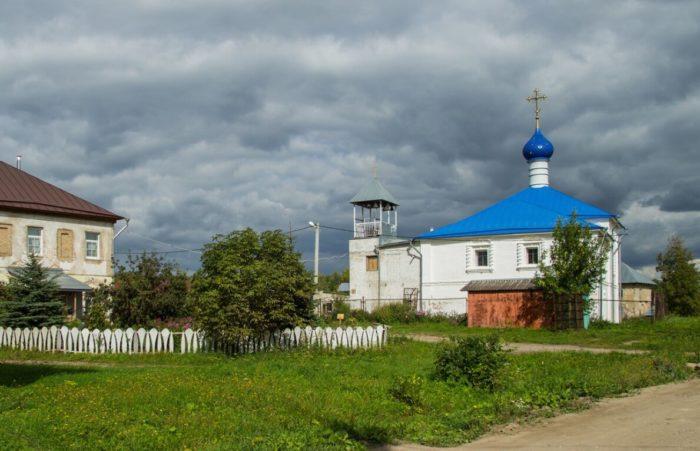 Petrovskiy-monastyr-700x451