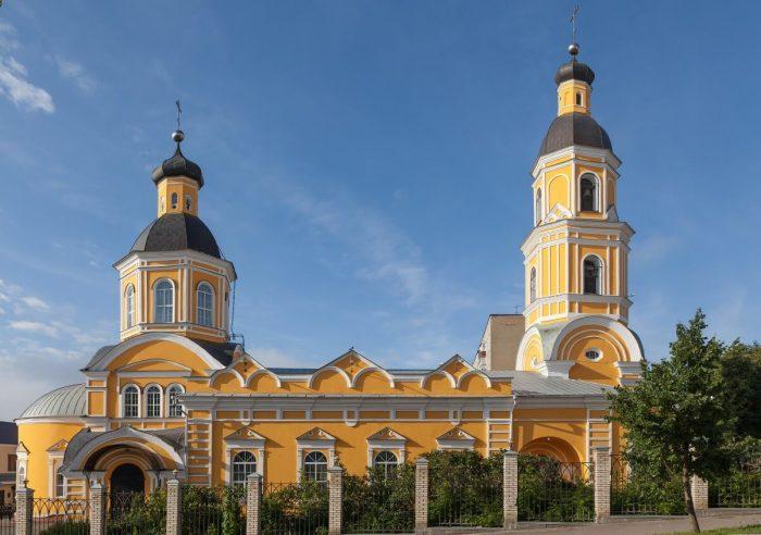 Pokrovskiy-arhiereyskiy-sobor-700x492