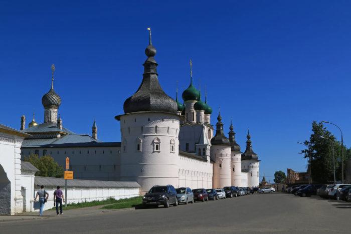 Rostovskiy-kreml-700x467