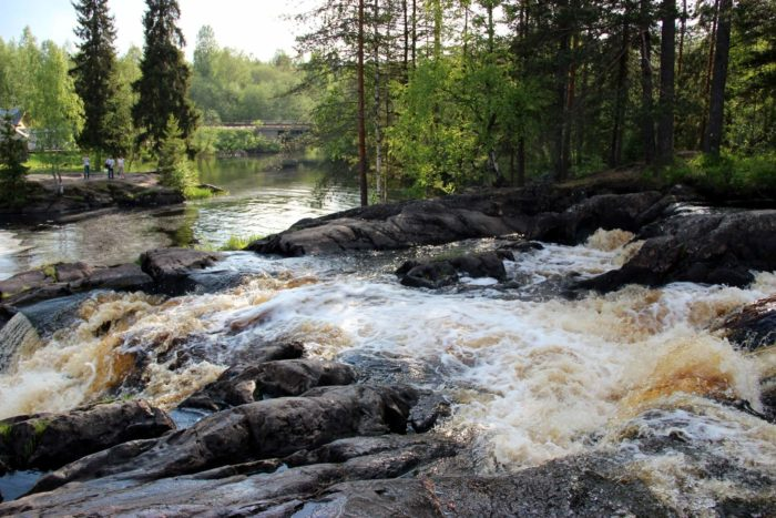 Ruskealskie-vodopady-700x467