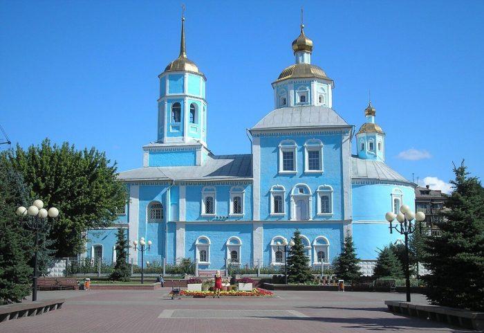 Smolenskiy-sobor-700x481