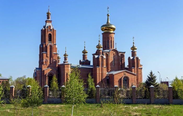 Sobor-Pokrova-Presvyatoy-Bogoroditsy-700x445