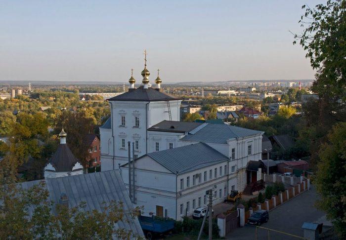 Spaso-Preobrazhenskiy-monastyr-700x486