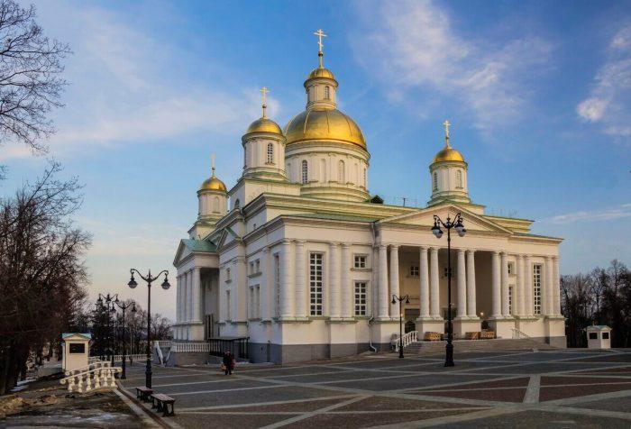 Spasskiy-kafedralnyy-sobor-700x476