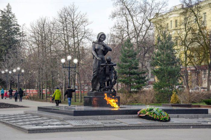 Svyato-Troitskiy-bulvar-700x464