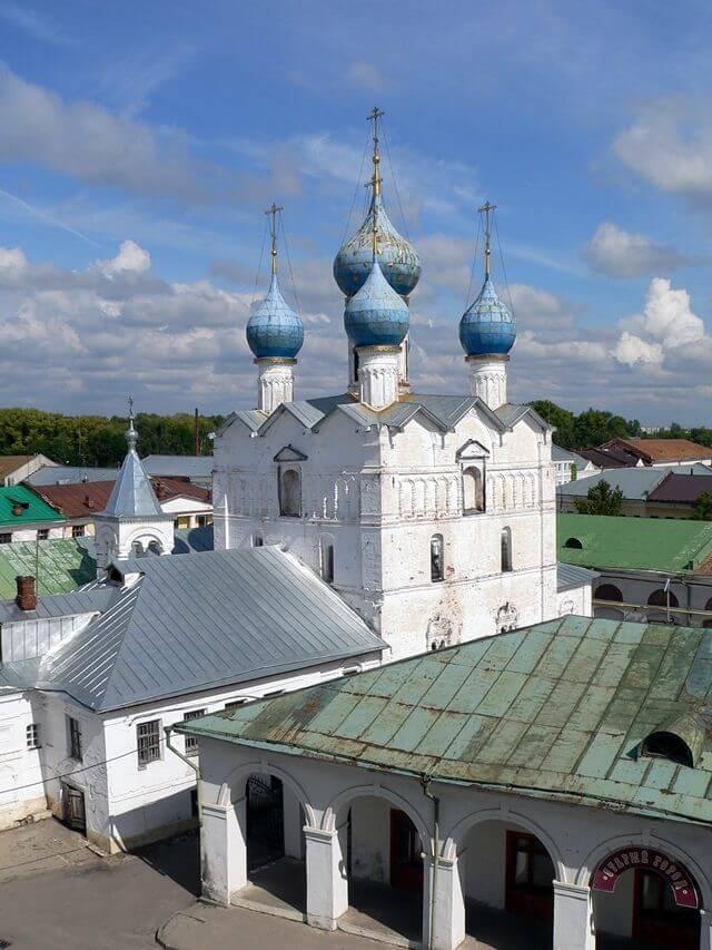 TSerkov-Spasa-na-Torgu