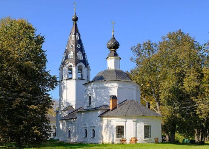 Uspenskiy-sobor-1-700x501