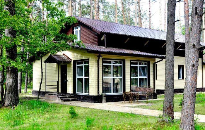 Baza-otdyha-Zelenyy-Bor-700x445