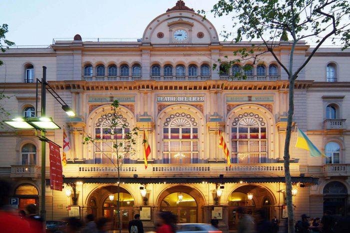 Bolshoy-teatr-Liseo-700x467