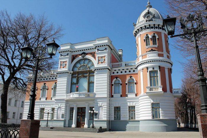 Dom-pamyatnik-I.-A.-Goncharovu-700x467