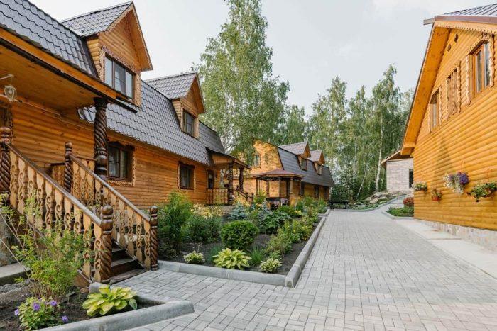 Gostevoy-kompleks-Hutor-Uvildy-700x467