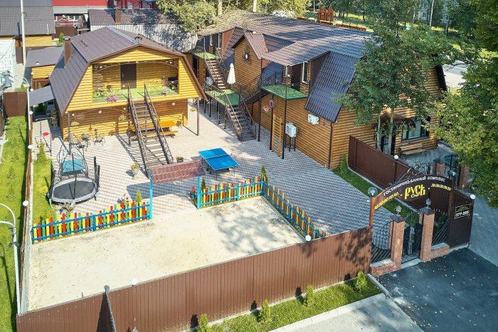 Gostinichno-bannyy-kompleks-Rus-700x467