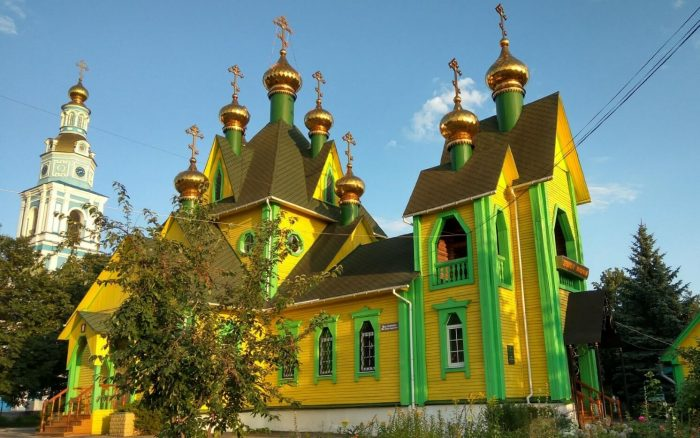 Hram-Vseh-Svyatyh-1-700x438