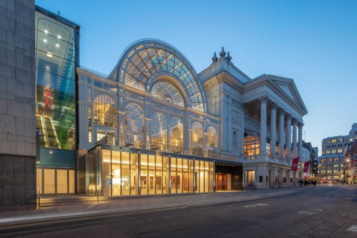 Korolevskiy-teatr-Kovent-Garden-700x467