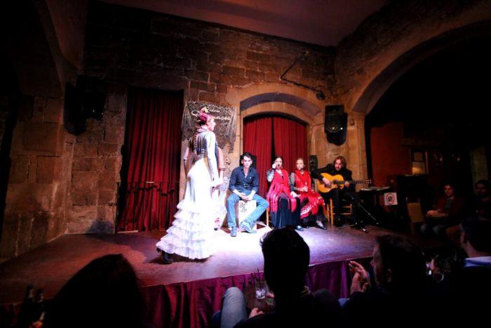 SHou-flamenko-v-Palau-Dalmases-700x467