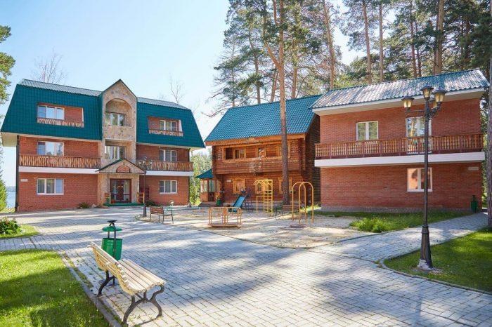 Semeynyy-kurort-Rodniki-700x466