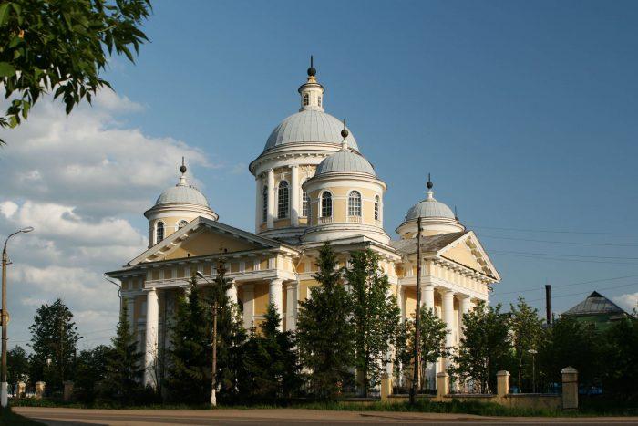 Spaso-Preobrazhenskiy-sobor-700x467