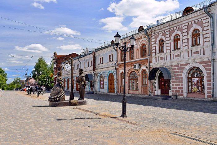 Spasskaya-ulitsa-700x467