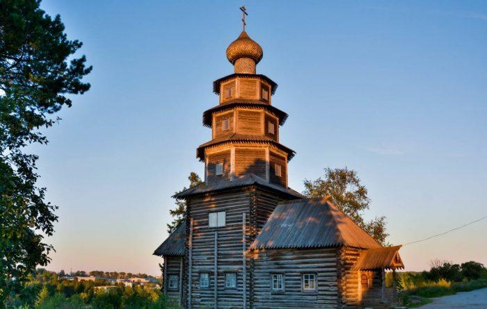 Staro-Voznesenskiy-hram-700x445