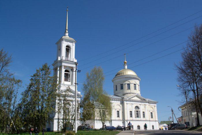 TSerkov-Ilii-Proroka-1-700x467