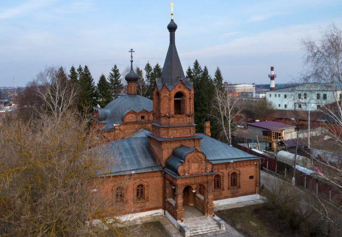 TSerkov-Pokrova-Presvyatoy-Bogoroditsy-700x485