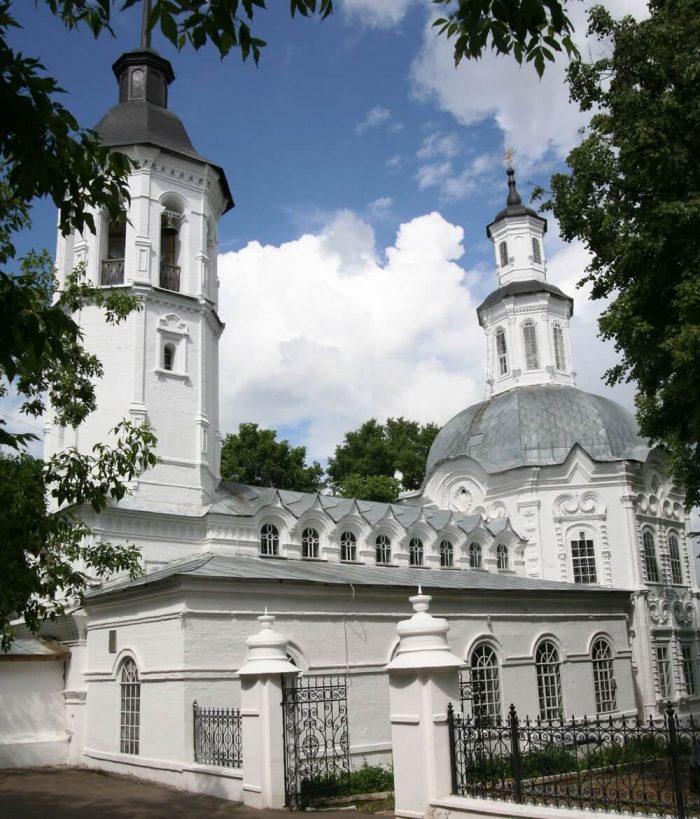 TSerkov-Rozhdestva-Ioanna-Predtechi-700x819