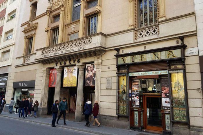 Teatr-Poliorama-700x465