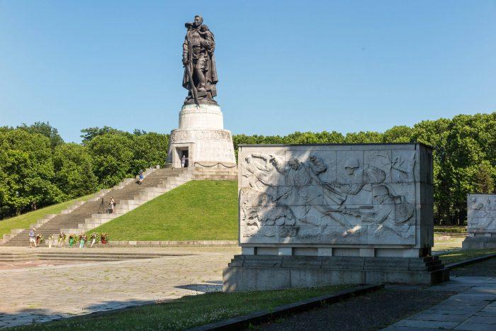 Treptov-park-700x467