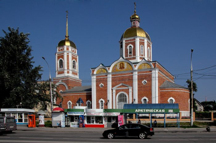 Hram-Rozhdestva-Hristova-700x465