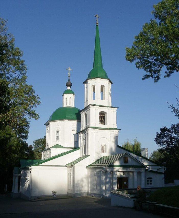 Hram-Tihvinskoy-ikony-Bozhiey-Materi-700x850