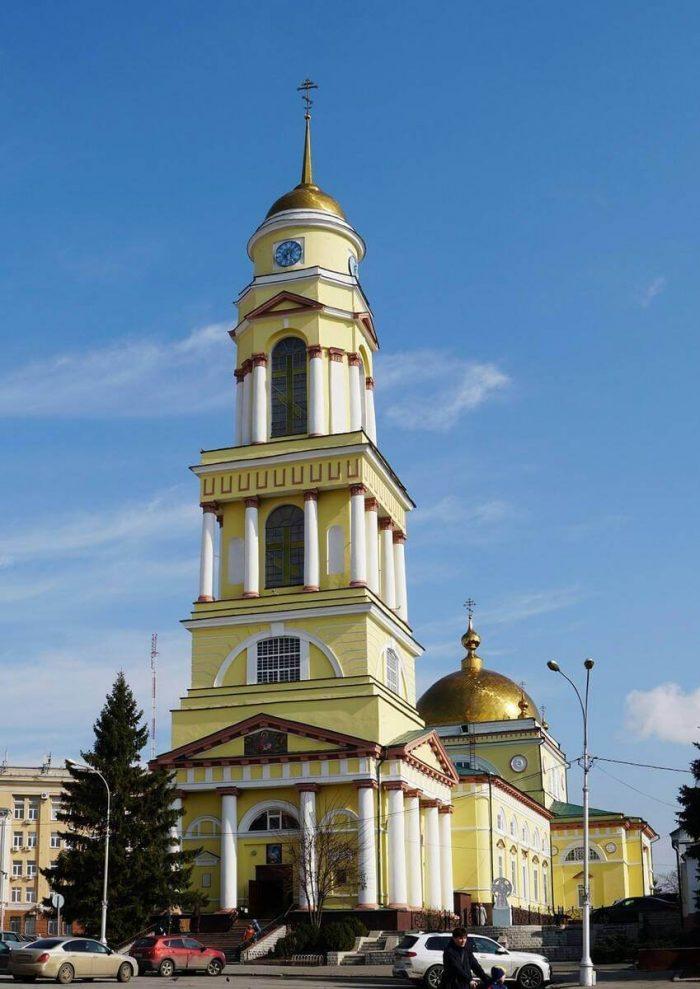 Hristorozhdestvenskiy-sobor-700x989