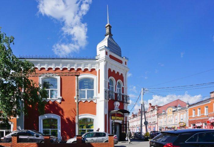 Kupecheskaya-ulitsa-Lva-Tolstogo-700x482
