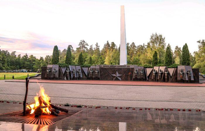 Memorialnyy-kompleks-Partizanskaya-polyana-700x448