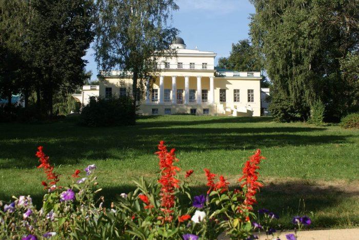 Muzey-usadba-F.-I.-Tyutcheva-Ovstug-700x467