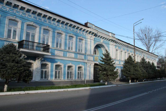 Natsionalnyy-muzey-Respubliki-Dagestan-700x467