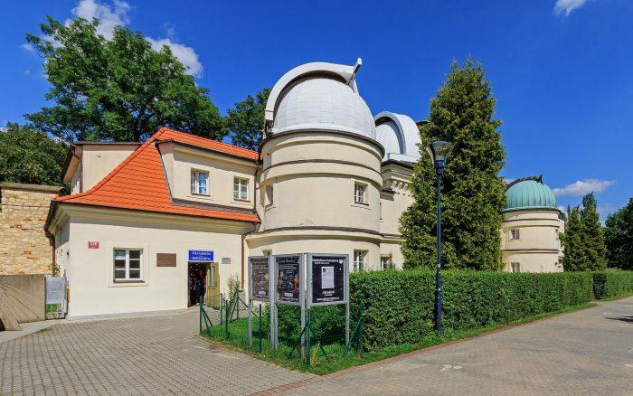 Observatoriya-imeni-SHtefanika-700x438