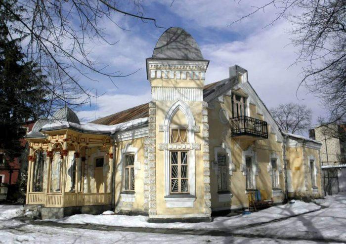 Osobnyak-barona-SHteyngelya-700x494